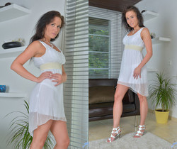 Niki Sweet - Seductive Looks