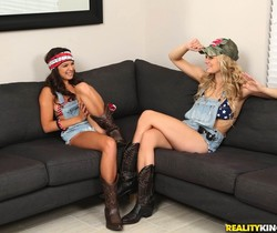 Shae Summers, Alli Rae - Country Lust - We Live Together