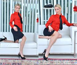 Uma Zex - Sexy Blonde - Anilos