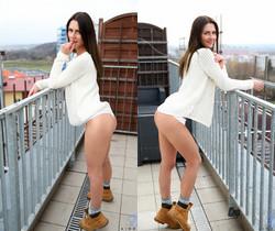 Kirra - balcony nudes