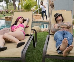 Joanna Angel, Nadia Styles - She Looks Familiar