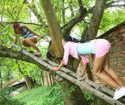 Connie Smith, Bailey Ryder - Girls Experimenting