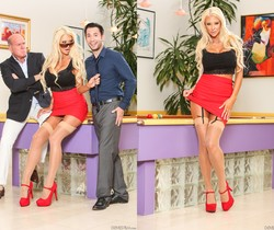 Courtney Taylor - Seduced By The Boss's Wife