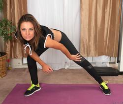 Shyla Ryder - pussy stretching