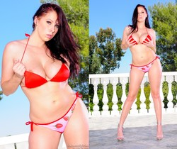 Gianna Michaels - Black Up In Her