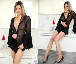 Klarisa Leone - Big Tits - Anilos