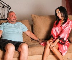 Tia Cyrus, James Bartholet - Sleezy Step-Dad