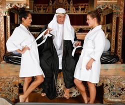 Abby Cross, Chloe Amour - The Sheik - Fantasy Massage