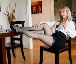Nina Hartley - Cougars Like Them Young