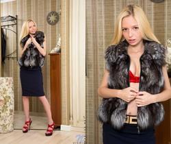 Vicki - petite thin blonde