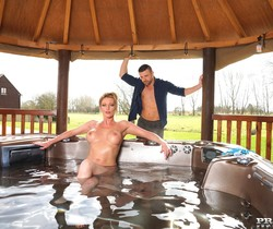 Busty Blonde Milf Holly Kiss Gets Wet & Wild in a Jacuzzi