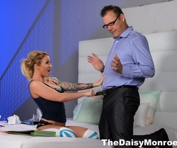 Daisy Monroe seduces her tutor & pays him in her own way