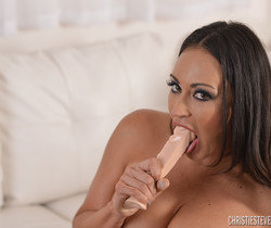 Claudia Valentine in Need To Be Touched
