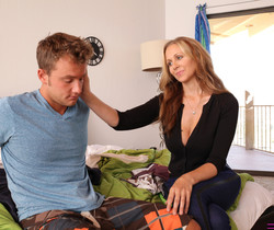 Halle Von, Julia Ann - Your Stepmom Is Watching