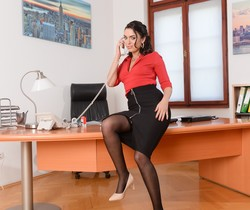 Geni Juice - Double Duty at the Office - 21Sextury