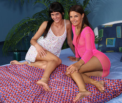 Dolly Darkley, Suzie Carina - Strapping Lass - ALS Scan