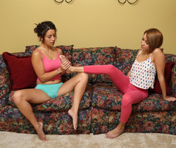 Daisy Haze, Marina Angel - Footsies - ALS Scan