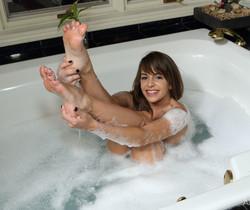 Kimmy Granger - Bath Time - ALS Scan