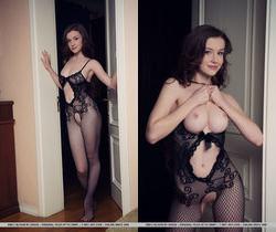 Emily Bloom - Dunesa - MetArt