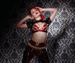 Ulorin Vex - Lotsa Latex - Holly Randall