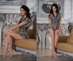 Venessa - Empire Style - Stunning 18