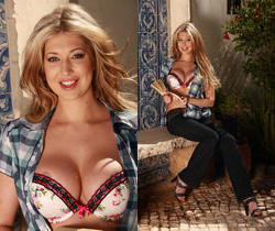 Lexi Lowe - Getting Hot! - Viv Thomas