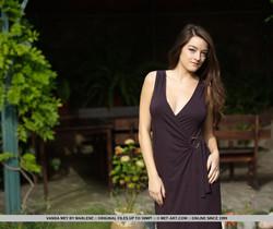Presenting Vanda Mey - MetArt