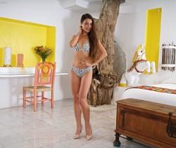 Lorena Garcia ass beads - InTheCrack