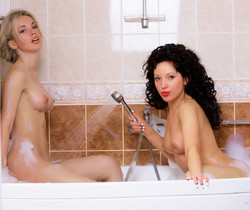 Natalia B, Sirenia A - Rub A Dub 2 - Erotic Beauty