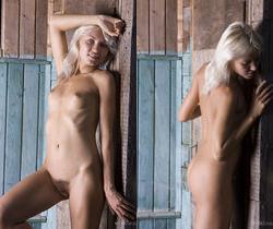 Kristy - The Front Door 2 - Erotic Beauty