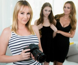 The Family Portrait - Girlsway