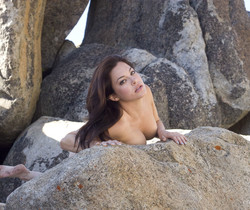 Oleen - Rock Alley - Erotic Beauty