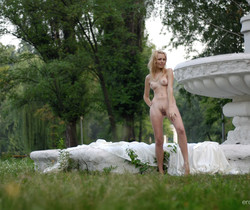 Alina Porter - The Fountain - Erotic Beauty