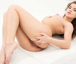 Evelina - Watch4Beauty