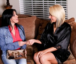 Rebeca Linares, Briana Blair - Girls Eating Girls