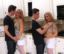 Housewife Cheats On Her Husband In Her Kitchen