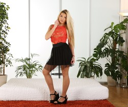 Sexy blonde Loreen toys her pussy with vibrator