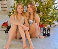 Mackenzie - Kinky Christmas - FTV Girls