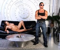Nika Noir & Tommy Gunn - SunLustXXX