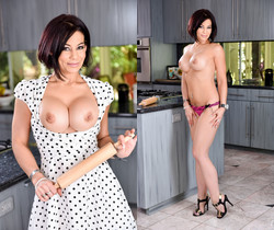 Chad Alva & Ryder Skye - Mommy Blows Best