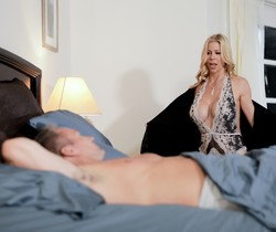 Alexis Fawx - No Need To Cuddle