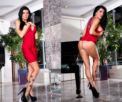 Jake Taylor & Romi Rain - Mommy Blows Best