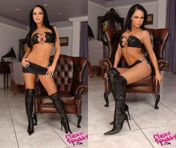Christina Bella - Flexy Pussy