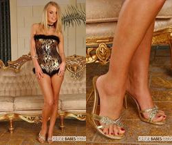 Dora Venter - Footsie Babes