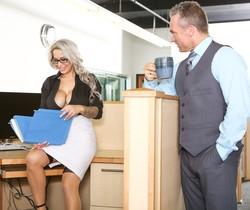Alyssa Lynn - Big Tit Office Chicks