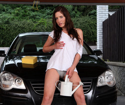 Jessica Rox needs to wash her car and her pussy