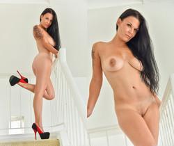 Veronica - Showing Some Leg - FTV Milfs