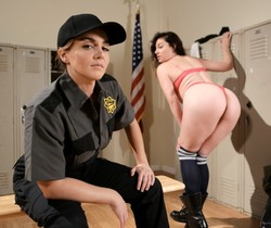 Natasha Nice, Sovereign Syre - Prison Guard Seduction!