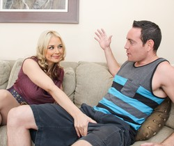 Sarah Vandella & Romeo Price - Mommy Blows Best