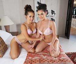 Jenna Sativa & Brittany Shae - InTheCrack